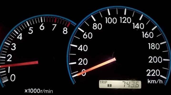 بالا نرفتن دور موتور از یک حد خاص | دور موتور از 3 بالاتر نمیره